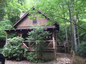 Vic's Creekside Cabin